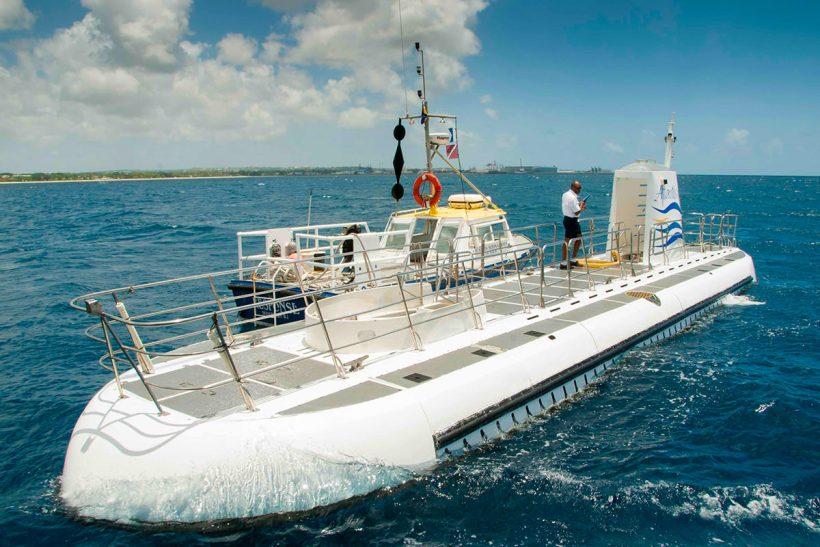 Barbados_2_Zunanjost sijajne podmornice Atlantis