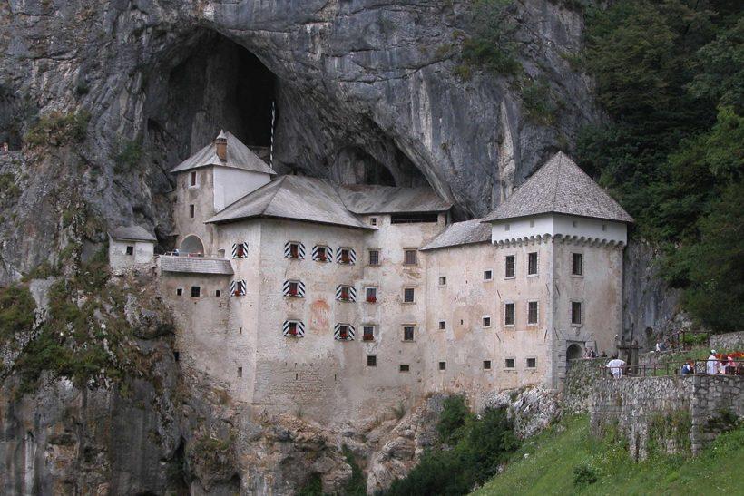 SLOVENIA-Predjama_castle_11.jpg