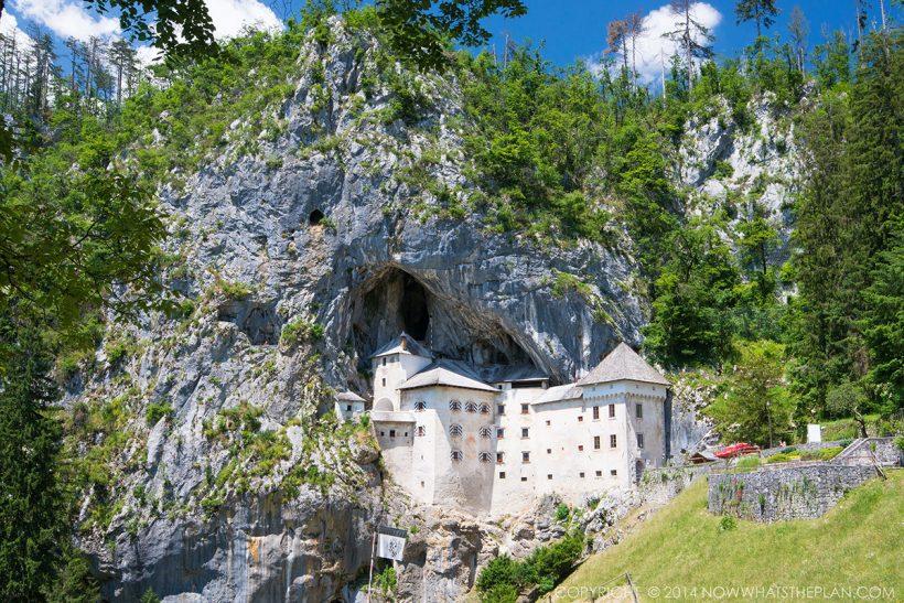 SLOVENIA_Predjama_castle_3.jpg
