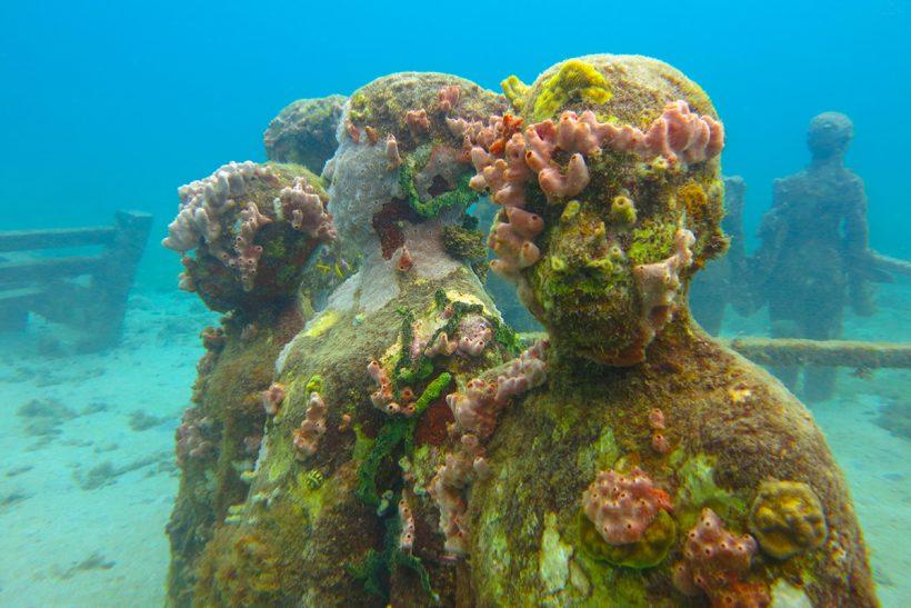 Tobago_2_Podvodni kipi obdani s koralami
