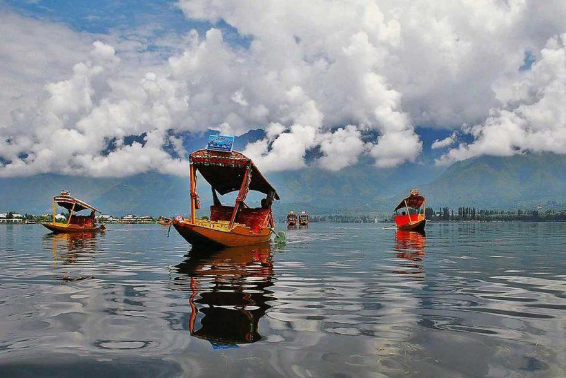 Hisa Potovanj Srinagar Jezero Dal Indija 002
